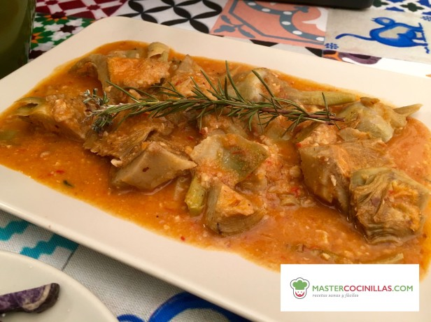 alcachofas en salsa de almendras logo
