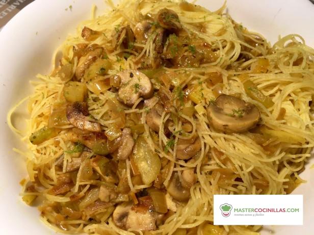 fideos asiaticos con verduras logo