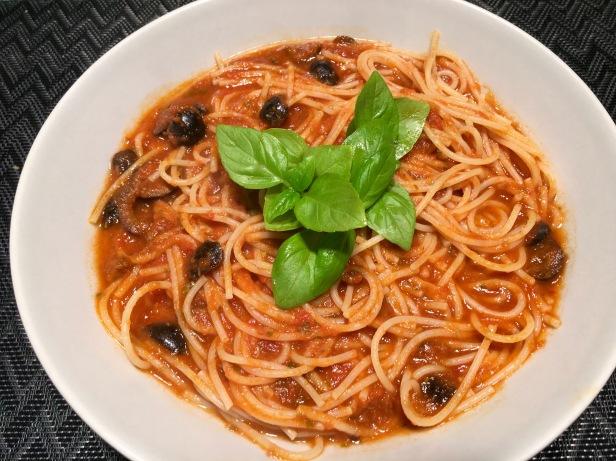 espaguetis putanesca