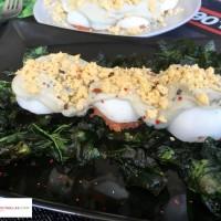 Huevos rellenos de atún y tomate