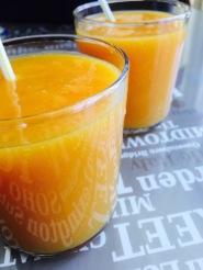 Zumo papaya mango limon naranja