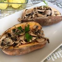 Boniatos (batatas, camote o papa dulce) rellenos de champiñón