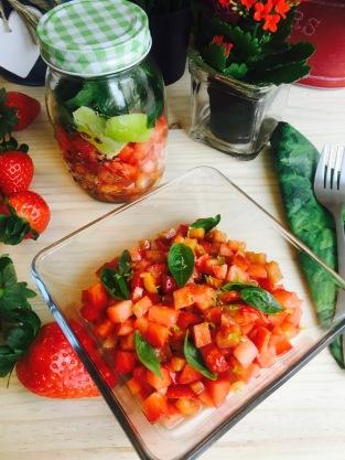 ensalada-de-fresas-y-pimientos-rojos-frasco