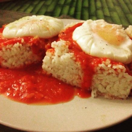arroz con tomate y huevos al vapor