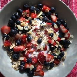 Porridge de avena y frutos rojos