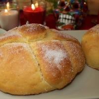 Pan de muerto - Delicioso panecillo dulce del día de muertos. México