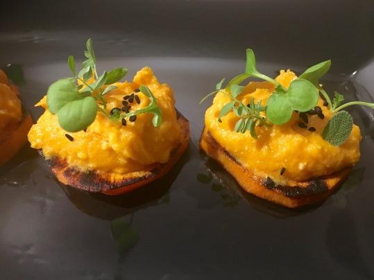 canapé de humus de boniato