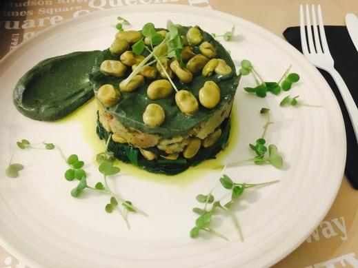 timbal o revuelto vegano de patatas habas y espinacas