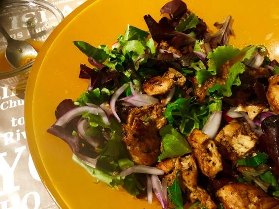 ensalada de pollo al chimichurri